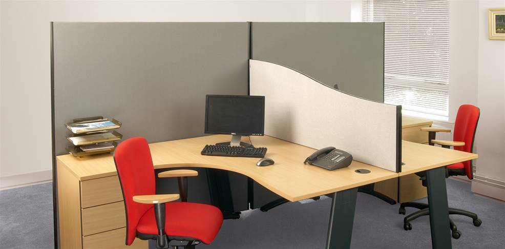 Desk Screens and Partitions Image 2