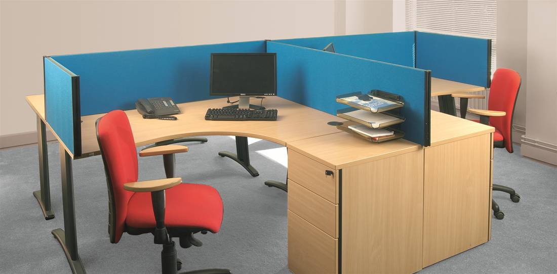 Desk Screens and Partitions Image 1