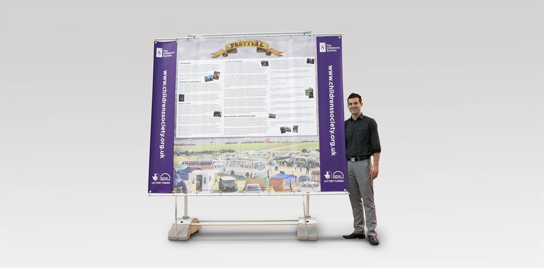 Outdoor Banner Stands Image 1